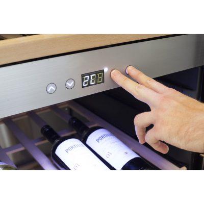 nút điều chỉnh nhiệt độ tủ bảo quản rượu