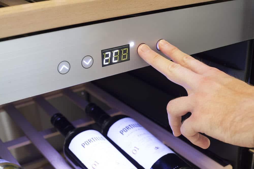 Tủ Bảo Quản Rượu Vang CASO WineChef3