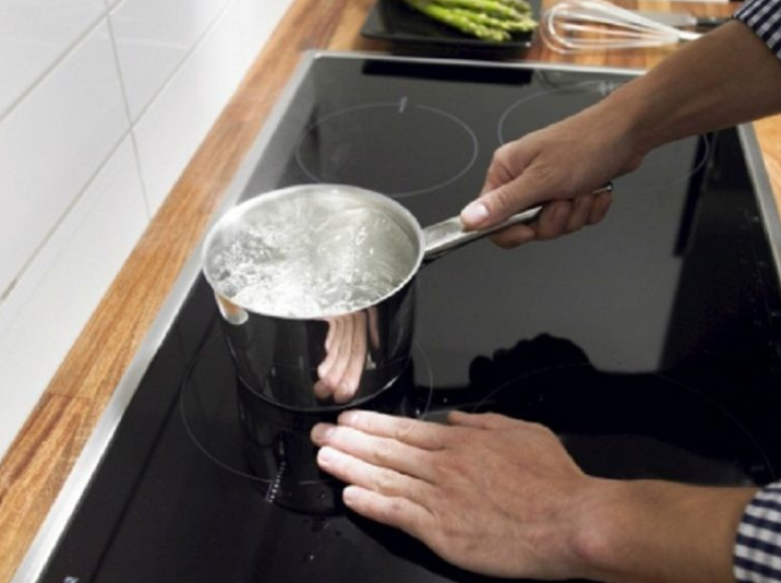 Bếp từ không nhận nồi: nguyên nhân và cách khắc phục