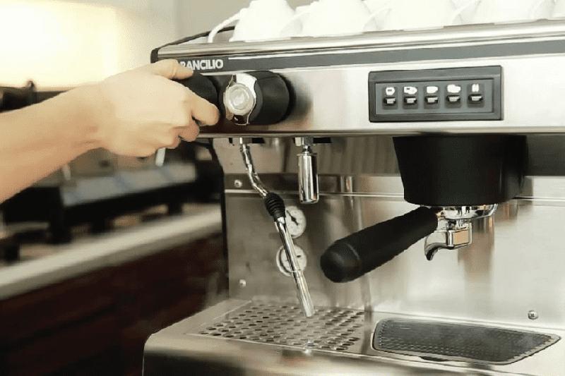 Cách sử dụng máy pha cà phê bán tự động