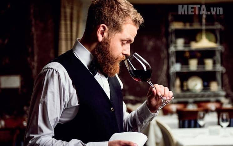 uống rượu vang tốt với các vấn đề về xương khớp